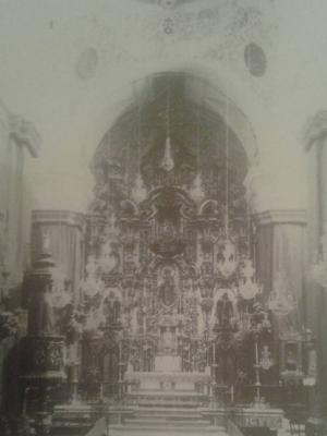 La iglesia y el convento de los Padres Carmelitas Descalzos