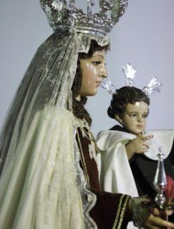 Visita a la Virgen del Carmen