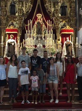 Visita del grupo joven e infantil de la Hermandad de la Veracruz