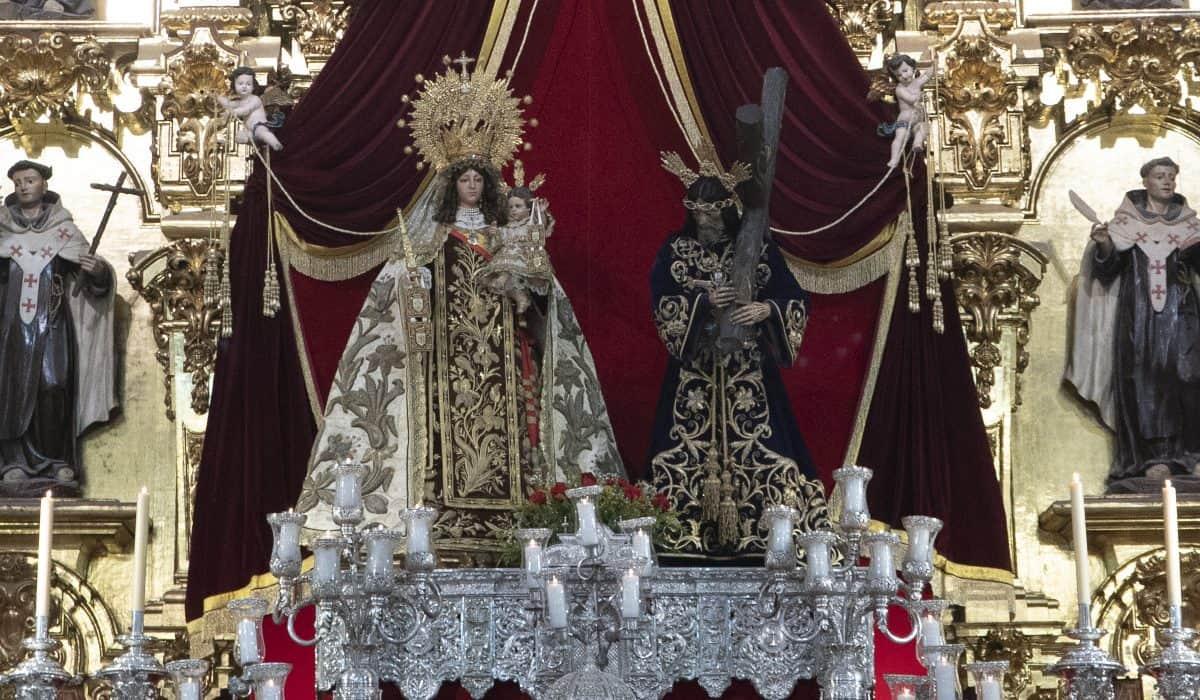 Virgen del Carmen junto a Jesús Nazareno