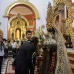 Besamano a la Virgen del Carmen